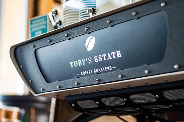 Scrub-Turkey-Warana-Tobys-Estate-Cofee-593x394px